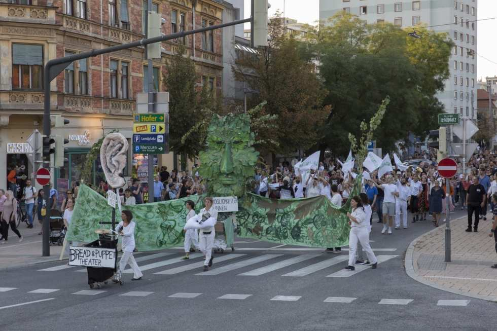 Bread & Puppet Theater. The Underneath the Above Parade #1. 2018 // Фото: Jasper Kettner