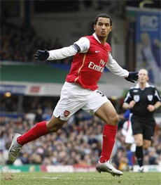 Despite scoring two goals against Birmingham, I'd like to see Walcott start on the right