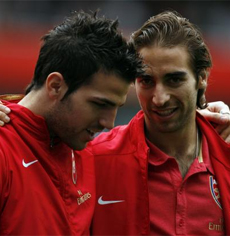 Is Flamini saying his final goodbyes to Fabregas and Co?