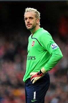 "Manuel ""The Frog"" Almunia kept another clean sheet"