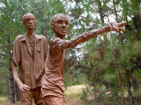 Leaders cob sculpture by Lisa Kaplan