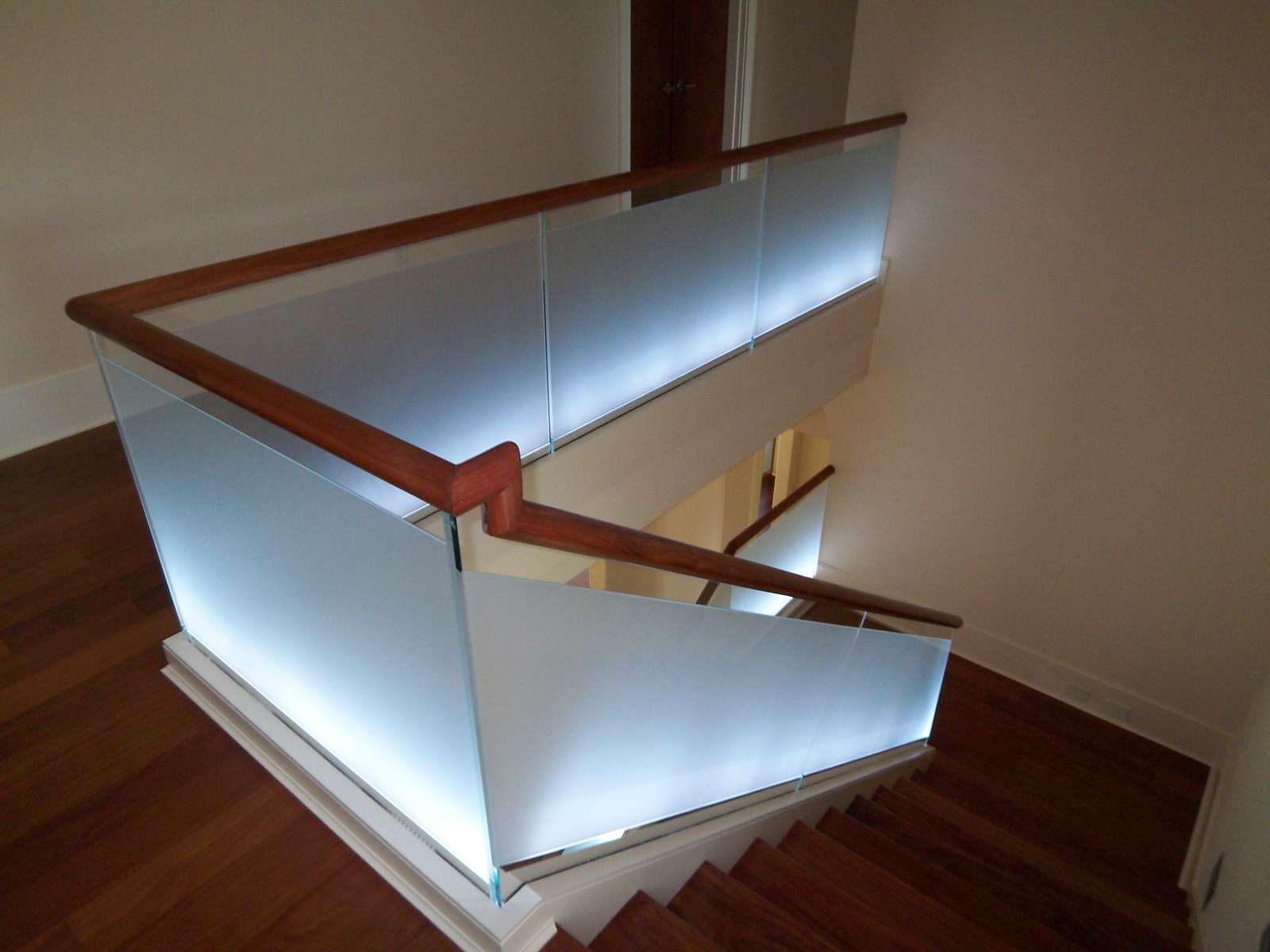 Graceful Staircase Design Sourn Stairs Stair Railings Toronto Stair Railing Los Angeles houzz 01 Modern Stair Railing