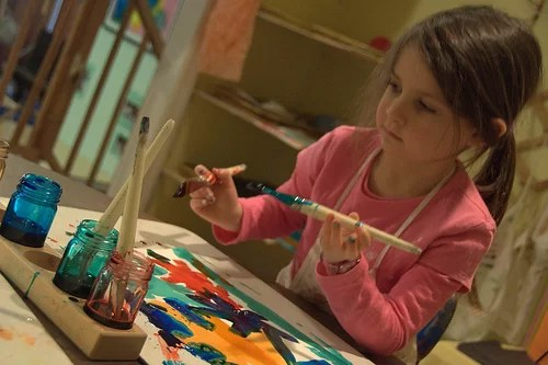 girl-in-painting