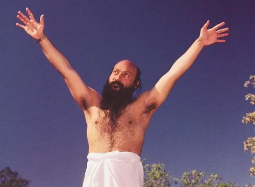 Osho-open-arms