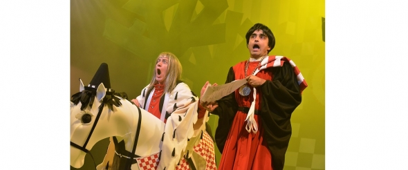 'Robin Hood' – Modern day panto speaks to modern family