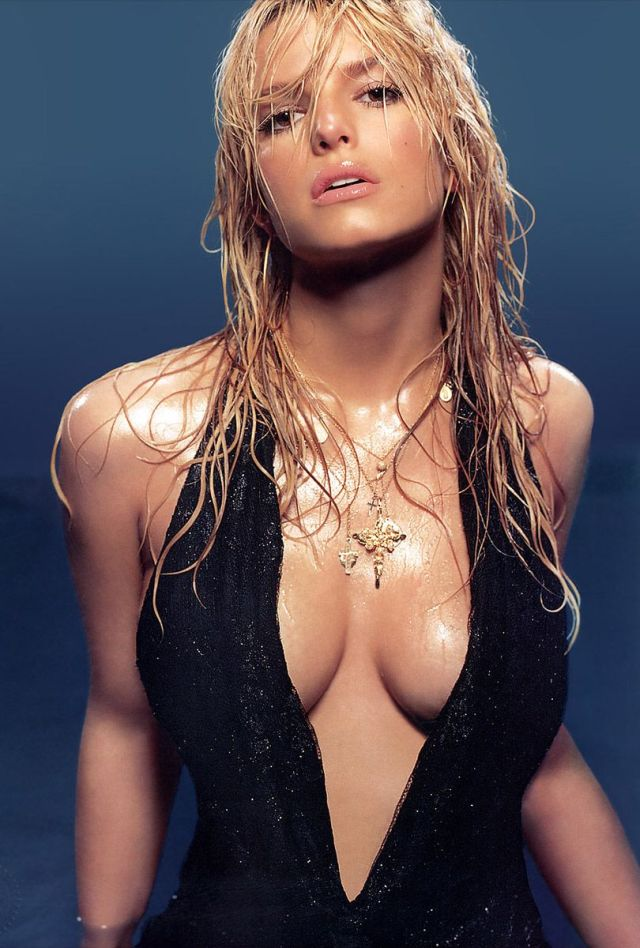 cbreasts_03_jessica_simpson
