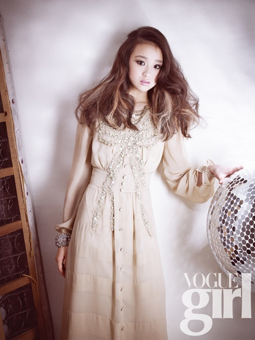 son-yeon-jae-vogue-girl-03