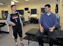 Jeremy-Lin-and-Yao-Ming-8449460223_3047742a70