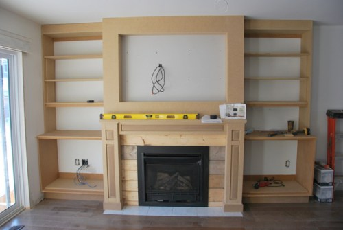 fireplace-built-in-shelving-6-via-the-sweetest-digs