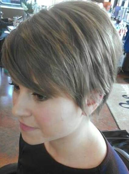 20 Gorgeous Looks With Pixie Cut For Round Face