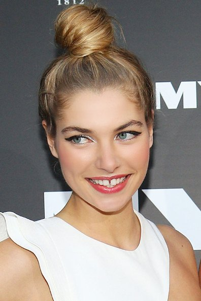 15 Top Knot Hairstyles