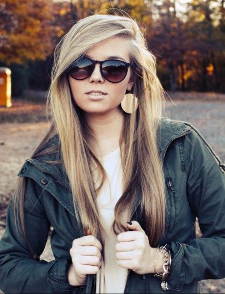 Glamorous Deep Side Part Hairstyles for Long Thin Hair - AskHairstyles