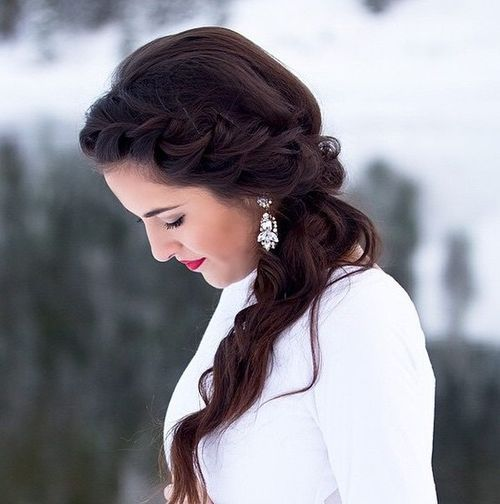 8 Gorgeous Hairstyles Perfect For Any Holiday Bash