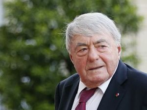 Claude Lanzmann  Iconic  Shoah  Filmmaker  Dies At 92     The Forward Claude Lanzmann