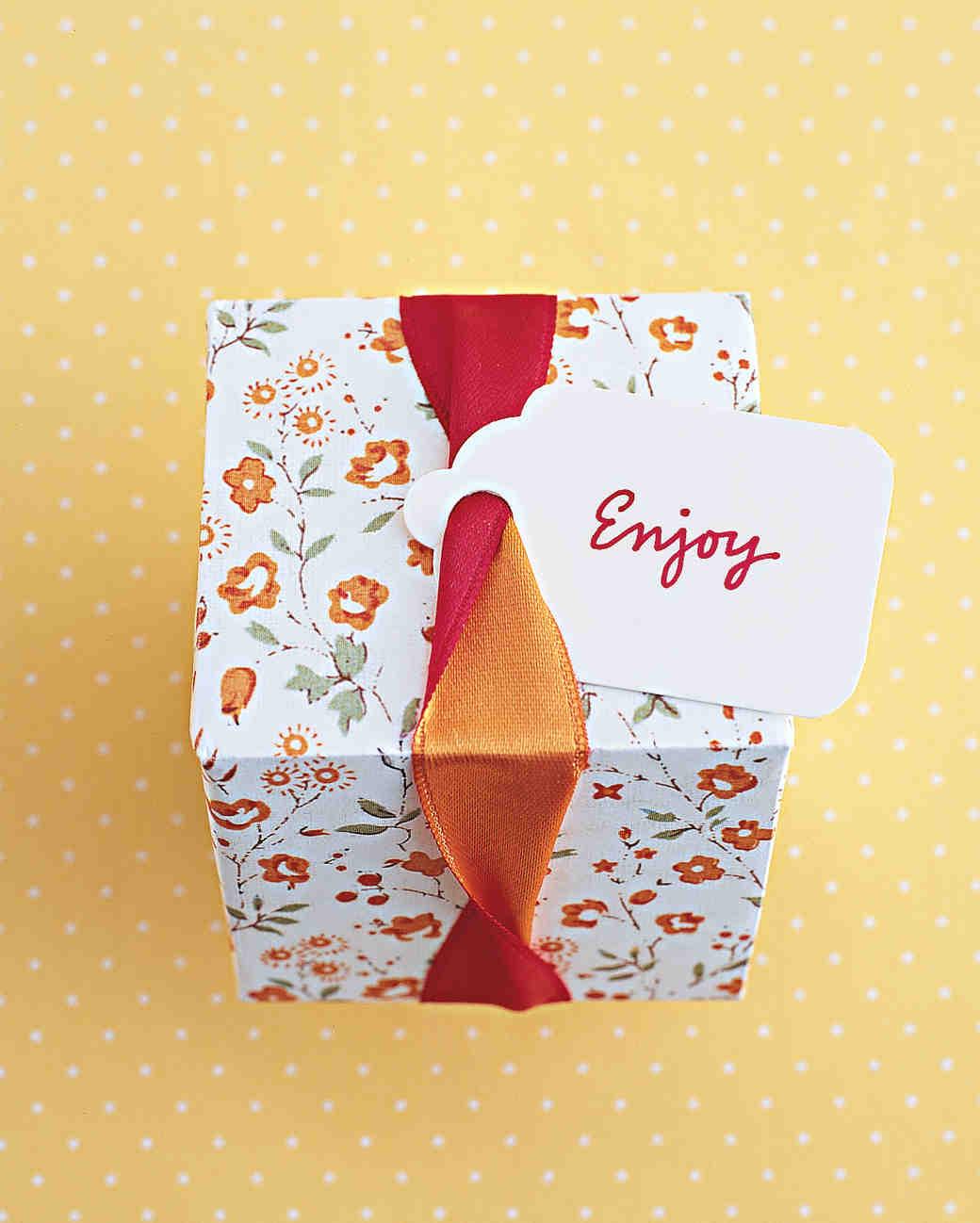 boxed wedding favors wedding favor boxes Ribbon Twist Gift Box