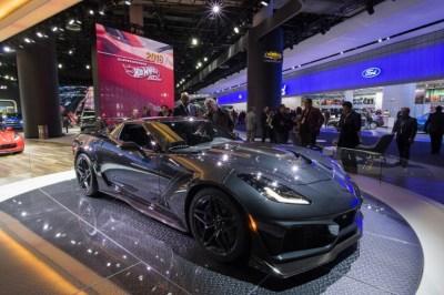 As tech ascends, has CES made Detroit Auto Show an ...