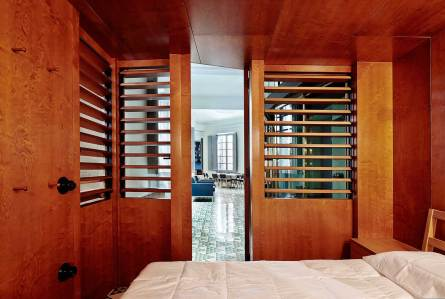 Carrer Avinyo Barcelona Apartment by David Kohn Architects | Yellowtrace