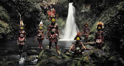 Huli Tribe, Papua New Guinea. Photo by Jimmy Nelson | Yellowtrace