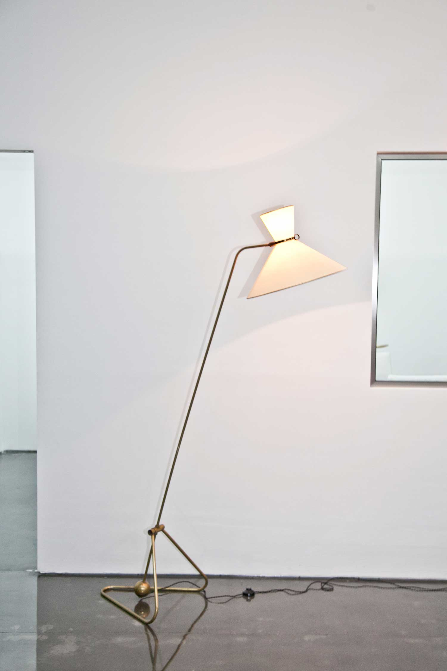 Sneak peek at design days dubai 2014 yellowtrace for Floor lamp dubai