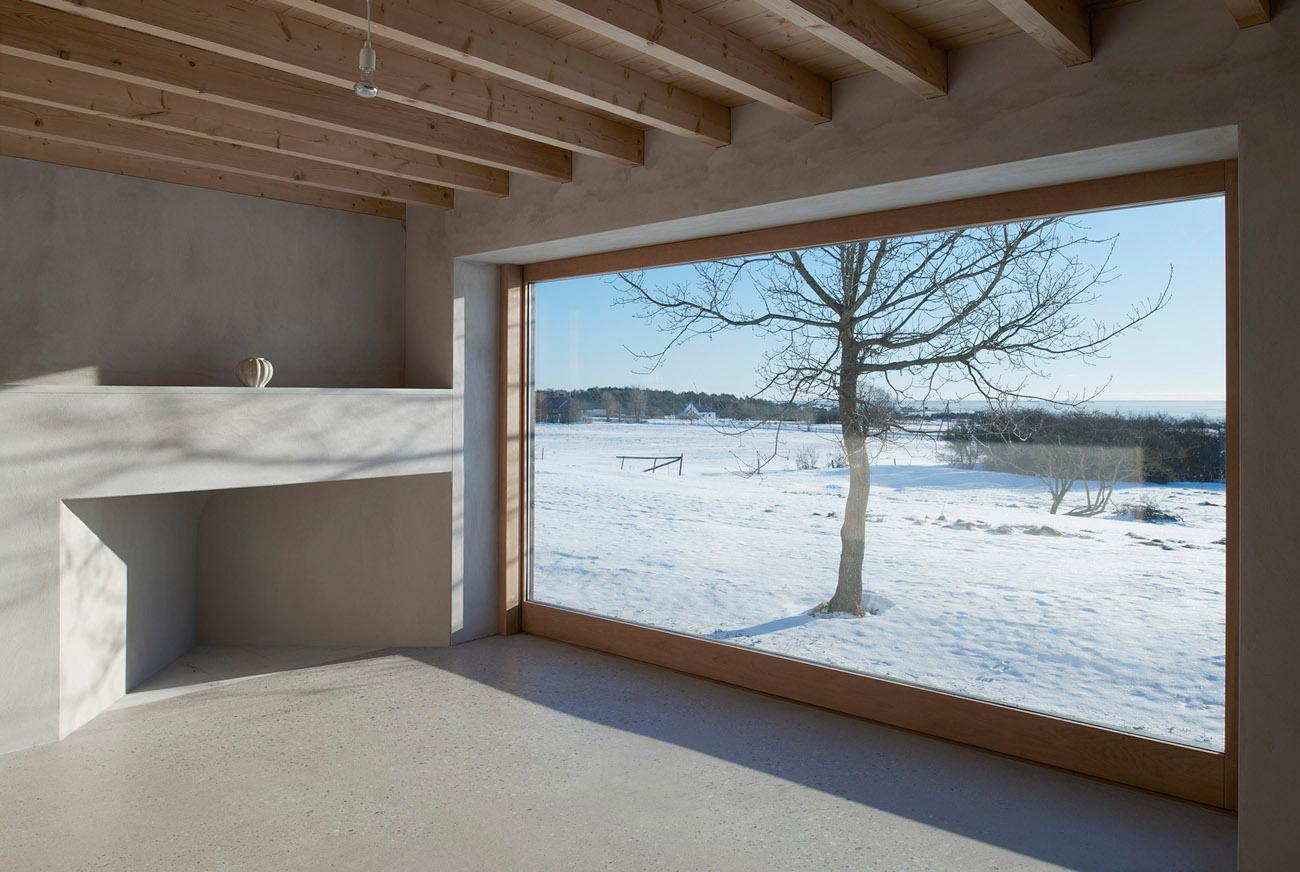 Atrium house in gotland by tham videgard arkitekter for Atrium inside house
