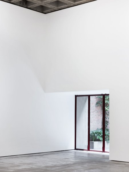 Gallería OMR in Mexico City by Mateo Riestra, José Arnaud-Bello & Max von Werz | Yellowtrace