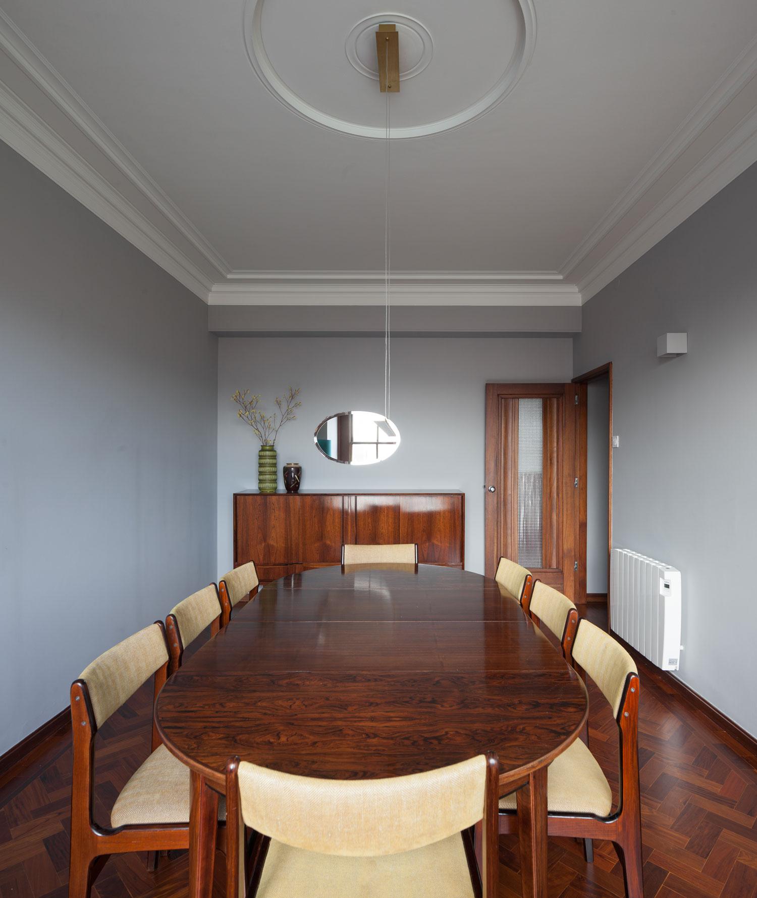 1940s Retro Apartment Renovations In Porto By Atelier In