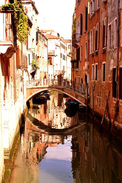 ruelle à Venise la rouge