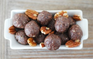Chocolate Pecan Pie Energy Balls