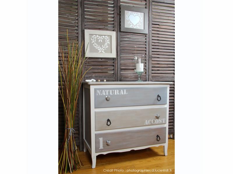 Comment repeindre un meuble en pin vernis great peindre un meuble en pin comment peindre un for Comment ceruser un meuble en pin
