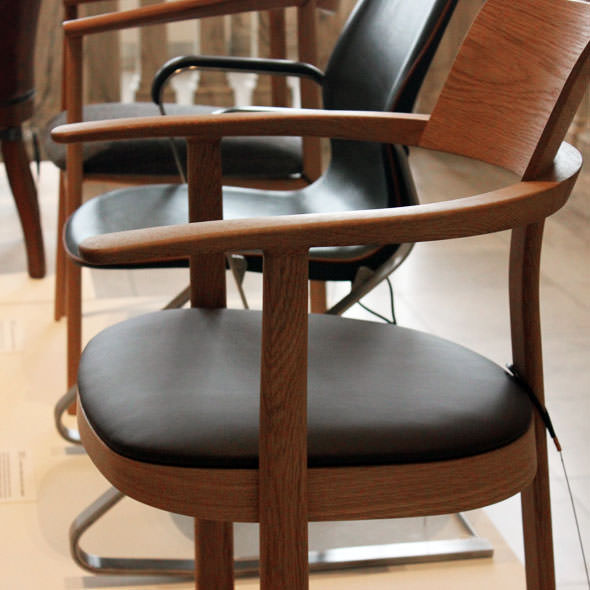 bodleian-libraries-barber-osgerby-chair-2013-vam-001