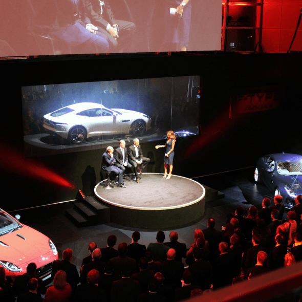 jaguar-f-type-coupe-launch-february-2014-crowds