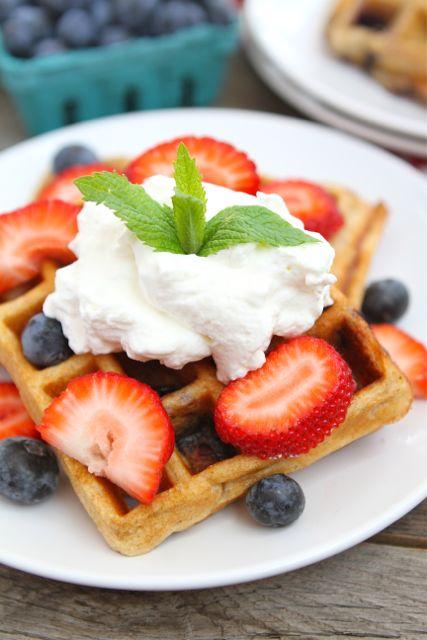 12 Healthy Greek Yogurt Breakfast Recipes » Clean and ...
