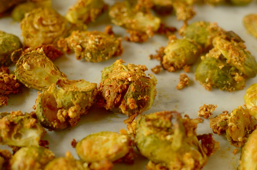 Honey Mustard Pretzel Crusted Brussels Sprouts are a healthy, crispy ...