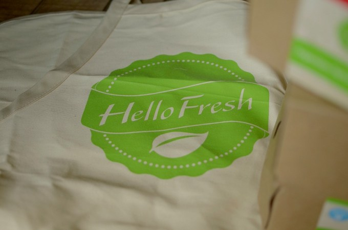 hello fresh apron