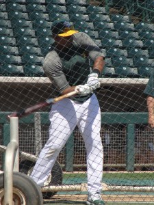 Yoenis Cespedes takes his hacks in the cage