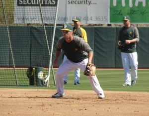 Scott Sizemore, who went 4-for-4 on Monday, taking grounders at second base