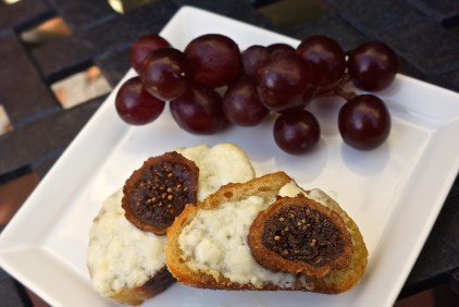 Crostini with Gorgonzola and Figs.