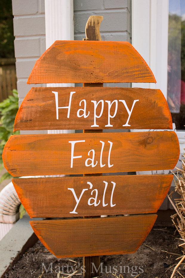 fence-board-pumpkins-fall-10