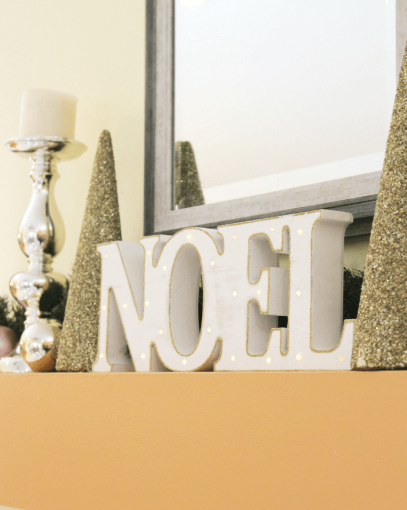 holiday-home-mantel-noel-sign