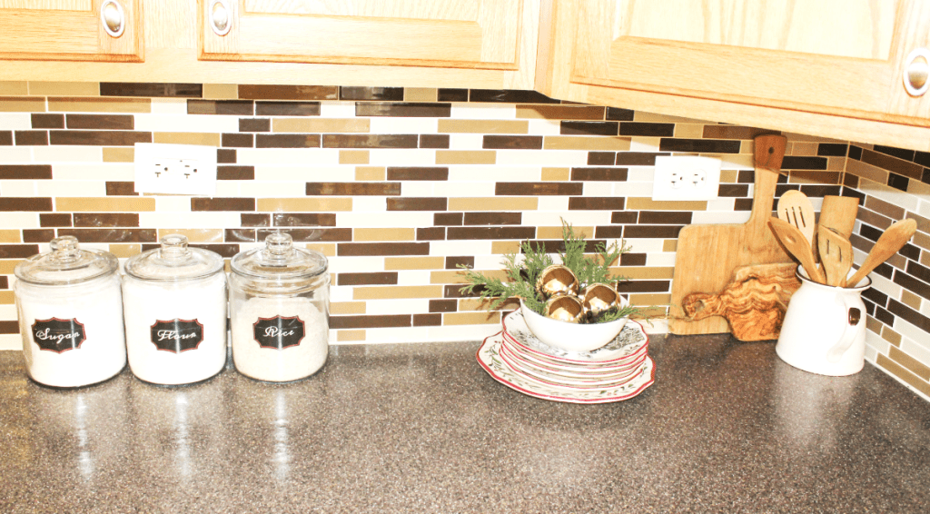 holiday-home-tour-kitchen-food-jars