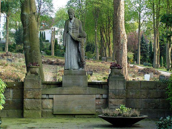 640px-Hagen_Rembergfriedhof