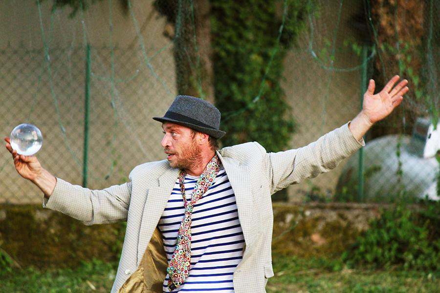 spectacle, festival arzimut, ciréjaune, jongleur