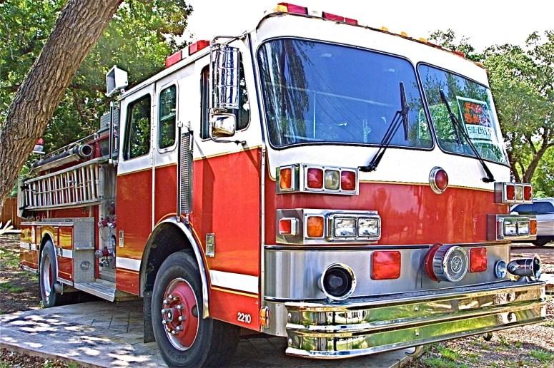 1989 Sutphen Pumper Truck for Sale in Austin Texas Front