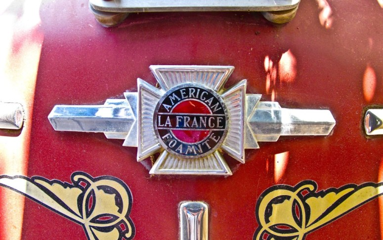 American LaFrance Type 700 Fire Engine emblem