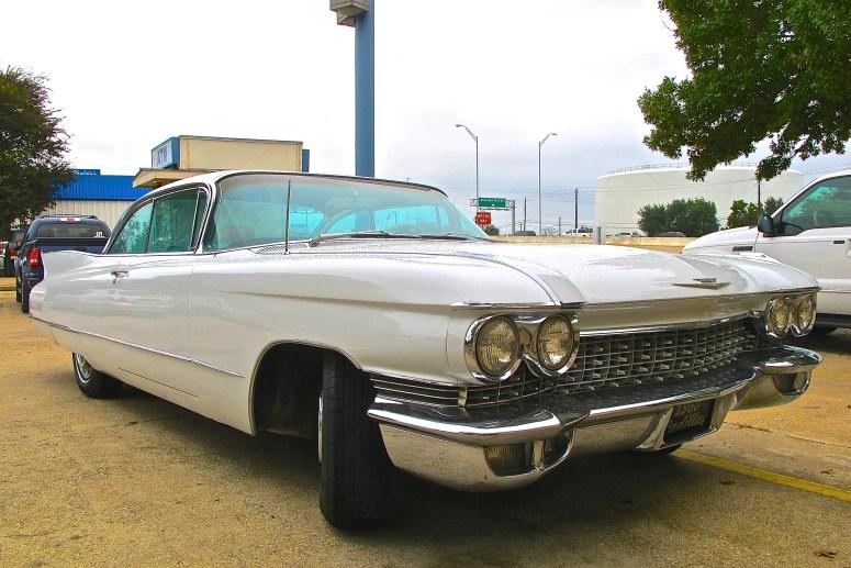 1960-cadillac-coupe-deville-in-austin-tx-atxcarpics-com-front-quarter