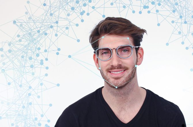 Introducing DITTO, the virtual 3D Try-on feature for eyewear.