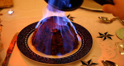 flaming-pudding-england-christmas