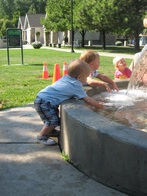 I was able to meet up with some of my good friends from Logan and their kids. The little ones loved the water at the park.