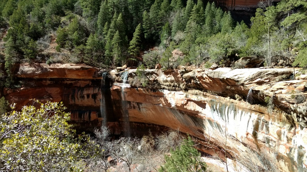 Lower Emerald Pools.