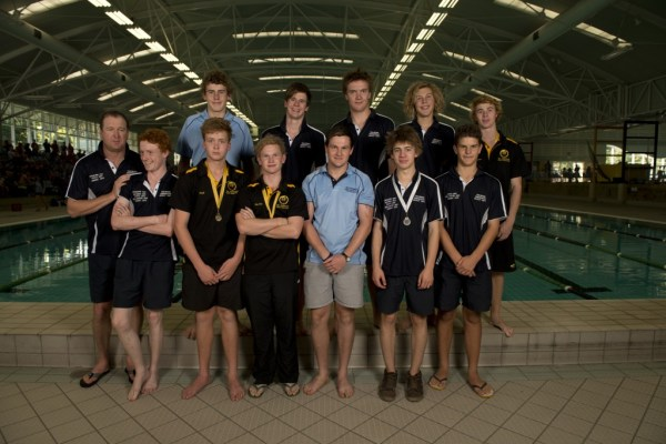 2013 Australian Men's U19 Underwater Hockey team. Photo by Jack Robert-Tissot.